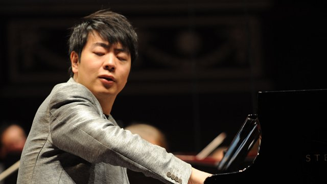 Lang lang rehearsing at the Royal Albert Hall