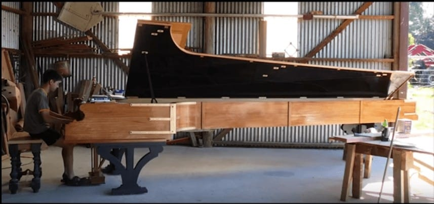 world's largest piano