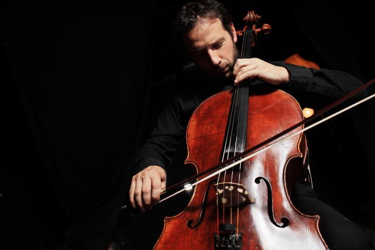 How to play the cello